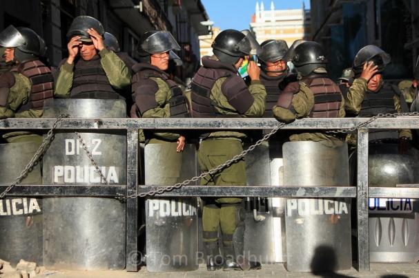 25 Police TIPNIS