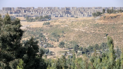 The expanding city of Addis Ababa, seen from neighbouring Oromia region, 2015. Civil protests in 2015 and 2016 in Ethiopia were partly attributed to the expansion of Addis Ababa into Oromo territory. Copyright Tom Broadhurst.